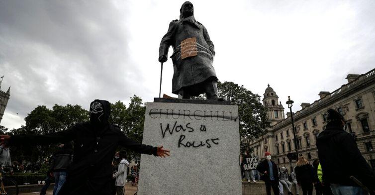 """Statue giù: quando i fanatici vogliono azzerare la Storia in nome della """"bontà"""""""