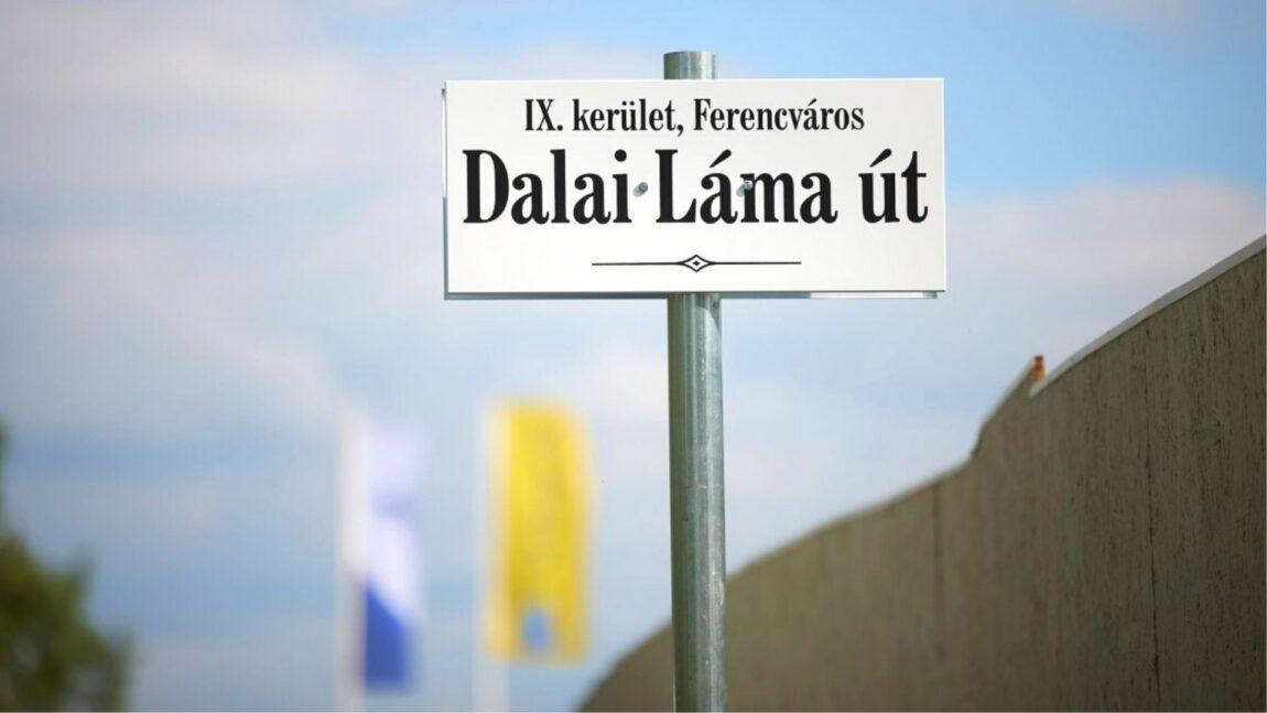 """Via Dalai Lama"" a Budapest. I liberali contro il filocinese Orban"